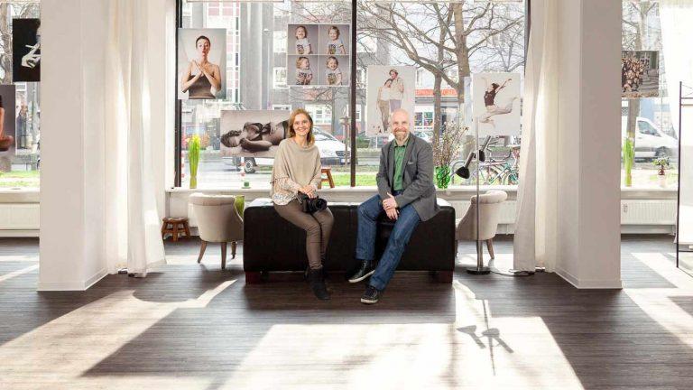 Das große und helle Fotostudio Farbtonwerk mit den Fotografen Bernhardt Link und Mina Link